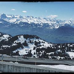 / 瑞士🇨🇭  妈妈不带我去瑞士坐小火车 只给我看阿尔比斯山脉的雪