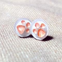 肉嘟嘟的猫爪热缩片。给自己做的耳钉☺️