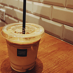 编号:11092018  冰拿铁 热小白   21 GRAM COFFEE / 市民中心