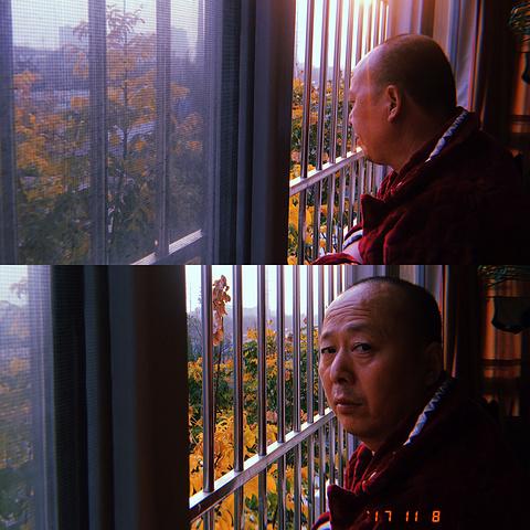因病不能外出只能趴窗户的老冯同志
