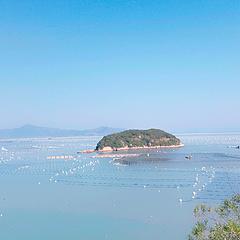 我忘了这座岛叫什么名字。