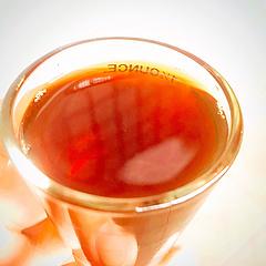 一杯手冲咖啡酸甘适中,回味有醇厚的干燥重击力。